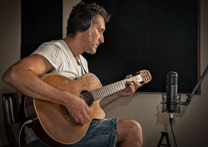 Guitarist Mike 3rd
